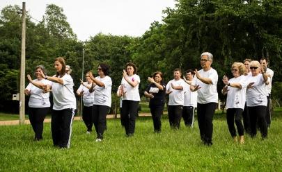 Grupo oferece práticas gratuitas de Tai Chi e Chi Kung em parque de Goiânia