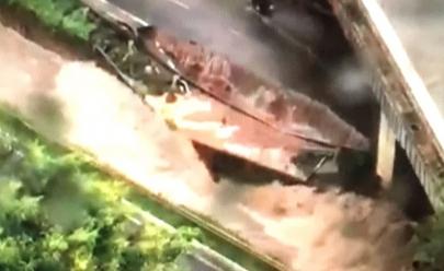 Forte chuva deixa parte da Marginal Botafogo destruída; veja imagens