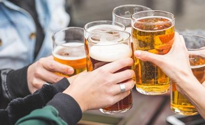 Bar de Goiânia oferece cervejas para cliente pagar de acordo com a honestidade