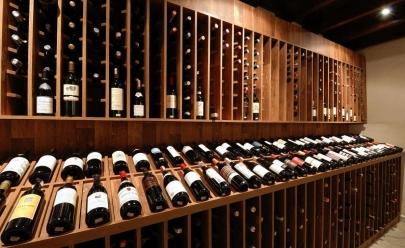 Restaurantes com adega para apreciar vinhos nacionais e importados em Goiânia