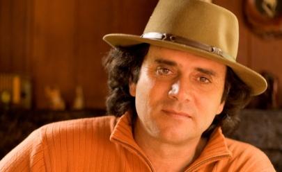 Almir Sater canta seus sucessos em Goiânia