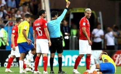 Brasileiros não perdoam jogador da Suíça que perseguiu Neymar durante jogo