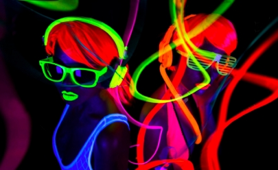 Brasília recebe matinê com balada neon para as crianças