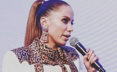 Anitta transmite aula de francês, culinária e personal trainer ao vivo no Instagram