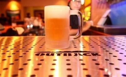 Outback oferece cerveja grátis até agosto