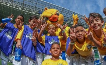 Escolinha de futebol da CBF desembarca em Brasília para temporada de aulas