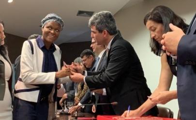 Haitiana deficiente visual foge de terremoto em seu país e acaba se tornando advogada em Brasília