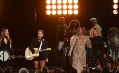 Beyoncé critica racismo em show surpresa nos Estados Unidos