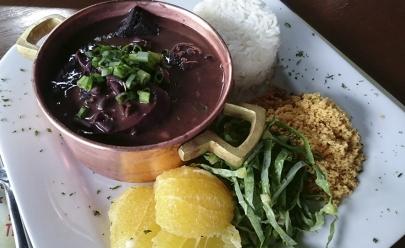 Bar Devassa em Goiânia tem feijoada no almoço