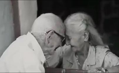 Casal apaixonado está junto há 65 anos e revela o segredo de um amor duradouro