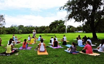 Projeto promove aulas de yoga abertas ao público em Uberlândia