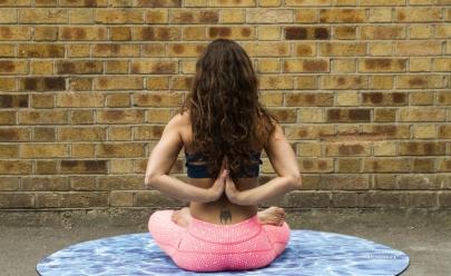 Yoga dançante: Goiânia recebe oficinas grátis de Gyrokinesis para crianças, idosos e portadores da Síndrome de Down