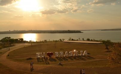 Festival SOM + AR e corrida 15k Sunset na beira do lago em Brasília