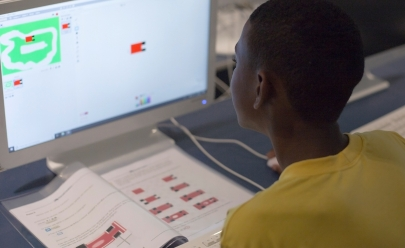Escola em Brasília organiza oficinas gratuitas de criação de jogos para crianças