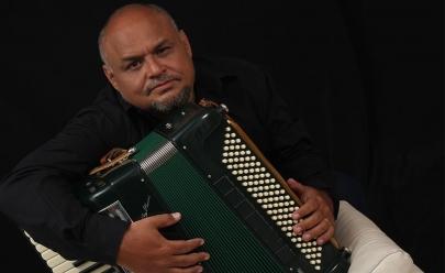 Chico Chagas apresenta tributo no Teatro na Terça