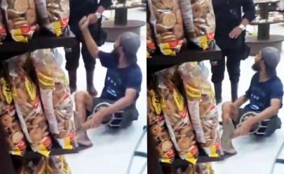 Homem de muletas é agredido em supermercado de Goiânia; veja vídeo