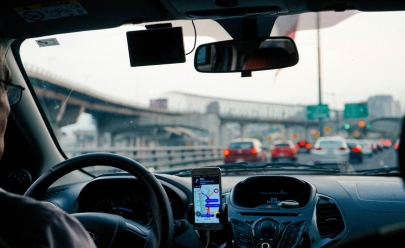 Aplicativo de transporte recruta mil motoristas em Brasília