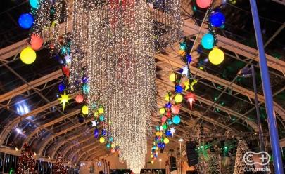 Vila do Papai Noel e decoração de Natal inauguram na Praça Cívica em Goiânia; veja fotos
