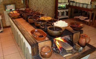 Restaurantes de comida goiana que servem em fogão à lenha