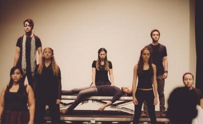 Peça Romeu e Julieta, contada por três Romeus e três Julietas, estreia no Teatro Sesc