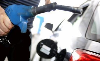 Juiz Renato Borelli suspende decreto que aumenta o preço dos combustíveis em todo país