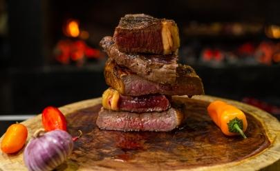 Com vitrine e parrilla uruguaia, Karnivora reinventa a forma de servir carnes nobres a preços acessíveis em Goiânia