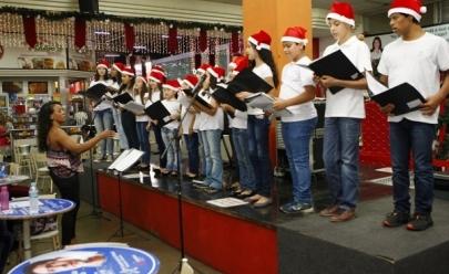 Praça Clarimundo Carneiro e outros espaços de Uberlândia recebem recitais de Natal