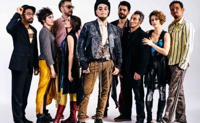 Banda O Teatro Mágico promete agitar Goiânia com show do álbum 'Allehop'