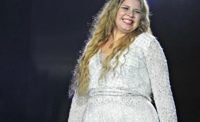 Marília Mendonça é pedida em casamento na noite de Natal