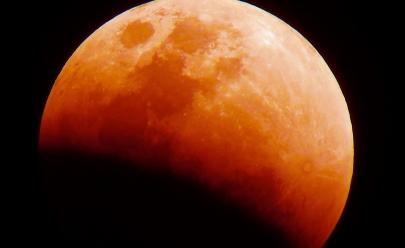 Fenômeno 'Superlua de Sangue' acontece neste domingo e será visível a olho nu