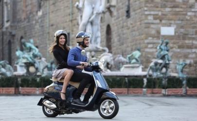 Clássica scooter Vespa volta a ser vendida no Brasil