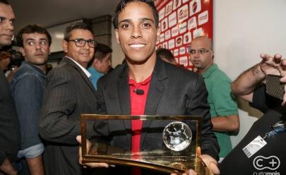 Ganhador do prêmio Puskas, Wendell Lira larga o futebol para jogar videogame