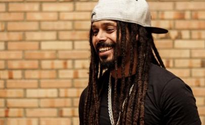 Após fim do Rappa, Marcelo Falcão anuncia carreira solo