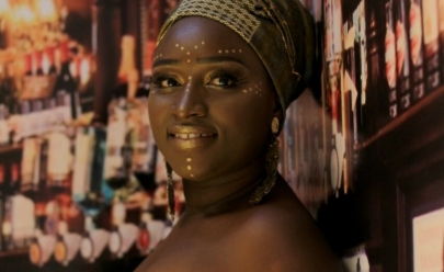 Desfile de moda promove autoestima de mulheres do cotidiano