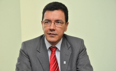 Edward Madureira é eleito reitor da UFG