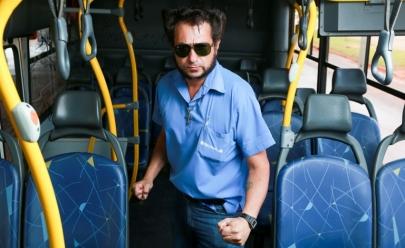 Cobrador de ônibus em Brasília faz sucesso ao incorporar visual de Wolverine