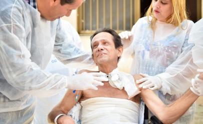 Paciente internado em Hospital de Goiânia se emociona ao ver seu neto andar pela primeira vez
