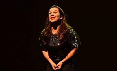 Fernanda Souza apresenta a comédia 'Meu Passado Não Me Condena' em Brasília