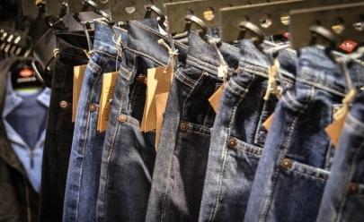 Bazar em Trindade oferece mais de 20 mil peças de roupa de grife com até 70% de desconto