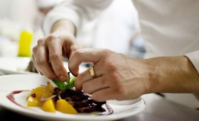 Abrasel e Vigilância Sanitária promovem curso para donos de bares e restaurantes em Goiânia