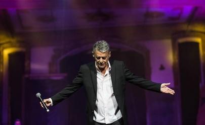 Chico Buarque leva turnê de Caravanas a São Paulo