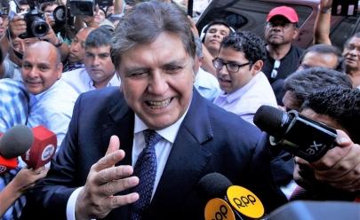 Ex-presidente peruano morre após atirar em si mesmo antes de ser preso