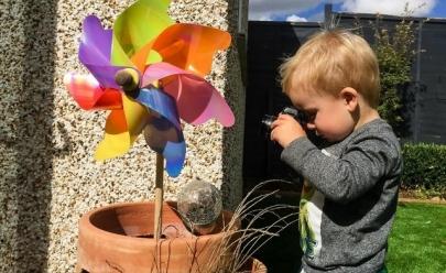 Fotógrafo deixa câmera com filho de 1 ano e as imagens são impressionantes