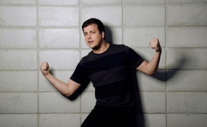 Rafael Cortez apresenta show de humor inédito em Goiânia