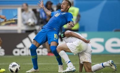 Bar em Goiânia promete bebida grátis a cada tombo de Neymar