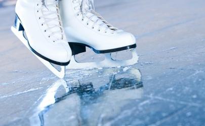 Shopping em Taguatinga recebe pista de patinação no gelo para a criançada