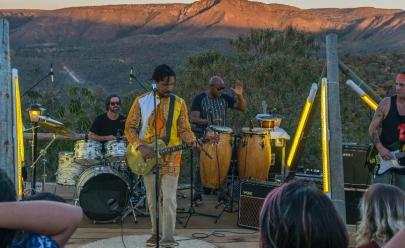 Com show em luau imperdível, Natiruts lança novo CD em Goiânia
