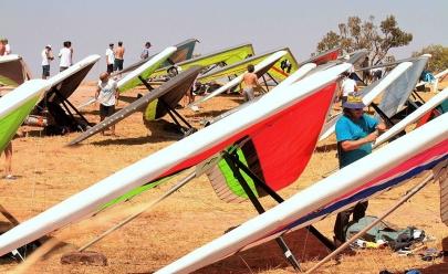 Campeonato pré-mundial de voo livre decola de Goiás e pousa em Brasília