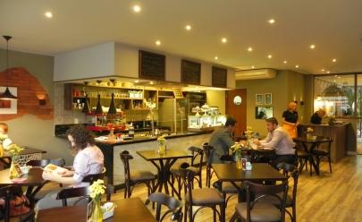 Café oferece programação de música instrumental de quinta a sábado em Brasília