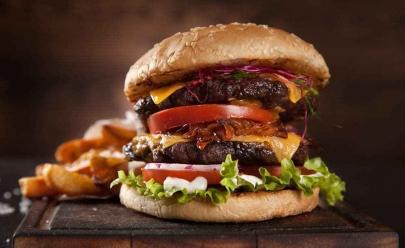 Goiânia recebe evento com entrada gratuita e stands de burgers a preços acessíveis